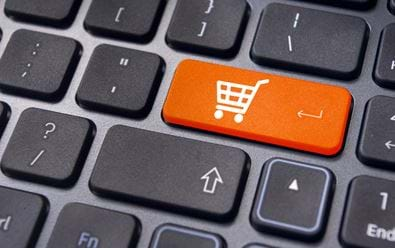 APEK: Češi utratili loni na internetu 196 miliard korun