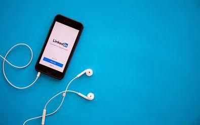 Napodobit síť Clubhouse chce také LinkedIn