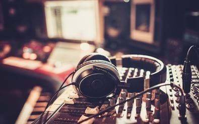 Český rozhlas spustí v říjnu stanici pro seniory Pohoda