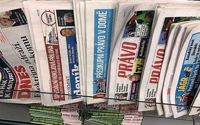 Pandemie negativně poznamenala prodeje deníků i v dubnu