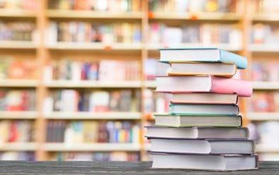 Knihkupcům rostou v době pandemie prodeje na internetu