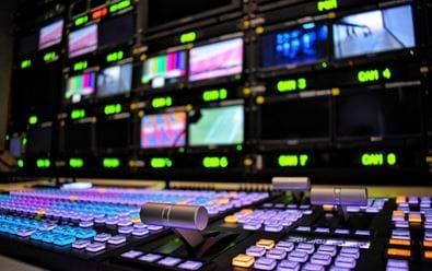 Tlak na umístění TV reklamy roste, ceny asi půjdou nahoru