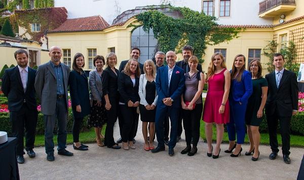 Tým agentury STEM/MARK, uprostřed ředitel Jan Tuček.