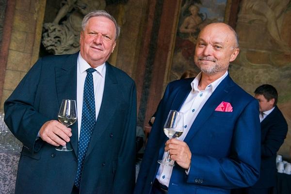 Předseda představenstva Stem/Mark Jan Hartl a ředitel Stem/Mark Jan Tuček otevřeli svými pozdravy narozeninovou oslavu.