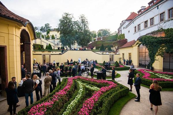 Prostředí Vrtbovské zahrady.