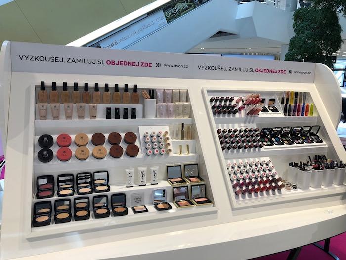 V Avon Beauty pointu bude možné se nechat nalíčit dekorativní kosmetikou od Avonu, foto: MediaGuru.cz.