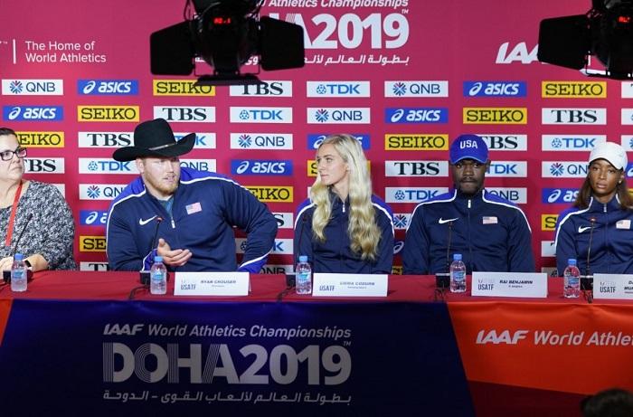 Foto: IAAF – americké atletické hvězdy po příletu do Dauhá