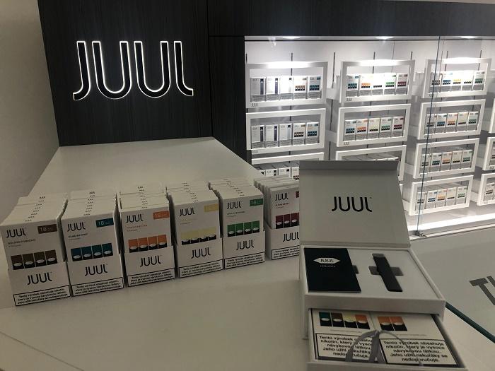 Juul se bude prodávat i v brandovaných kioscích. První Juul Store bude otevřen v Manifesto Market, foto: MediaGuru.cz.