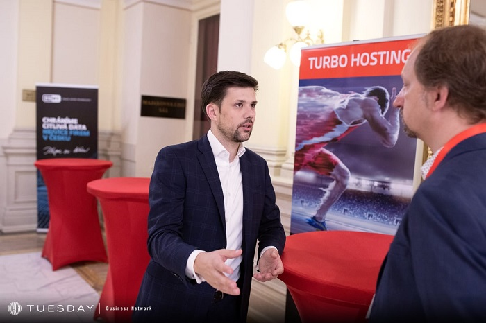 Novinář Filip Horký v rozhovoru se šéfredaktorem Lupa.cz Davidem Slížkem, zdroj: Internet Info
