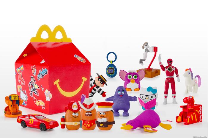Limitovaná edice Surprise Happy Meal obsahuje nejpopulárnější hračky uplynulých 40 let, zdroj: McDonald's.