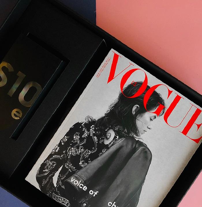 Limitovanou edici Samsung S10 dostanou zájemci ve speciálním boxu i s posledním číslem Vogue a ročním předplatným, zdroj: Samsung.