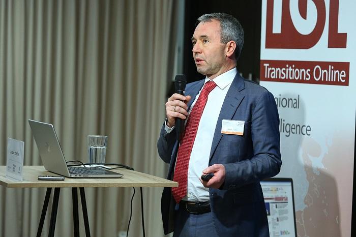 André Støylen na pražské konferenci, zdroj: Prague Media Point