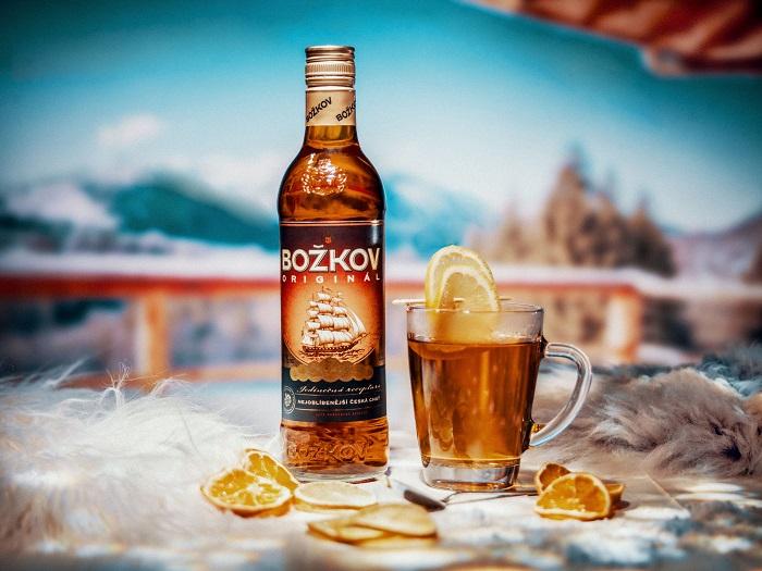 """Pod názvem """"Vychutnej si Grog jinak"""" představuje Stock své variace na grog, zdroj: Stock Plzeň – Božkov."""