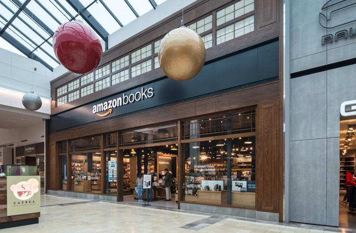 Ani internetový gigant Amazon nemůže v nákupních centrech chybět, zdroj: Unibail-Rodamco-Westfield.