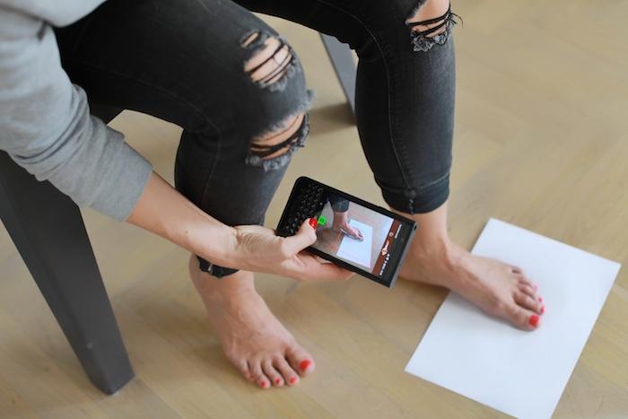 Ke správnému fungování aplikace je potřeba dvou listů čistého bílého papíru o velikosti A4, zdroj: Prabos.