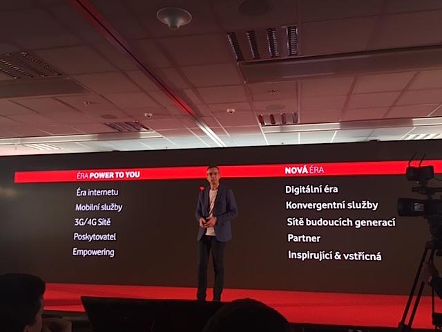 Jiří Báča popisuje nový positioning značky Vodafone, foto: MediaGuru.cz