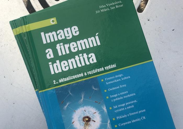 Vychází rozšířené vydání knihy Image a firemní identita