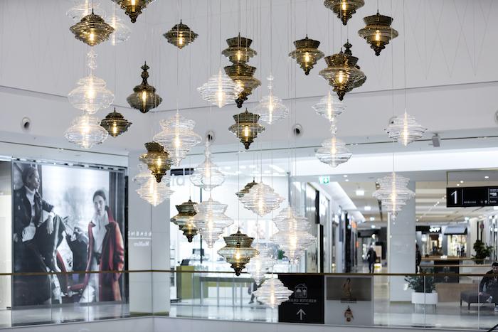 Osvětlení od společnosti Lasvit, foto: Unibail-Rodamco.