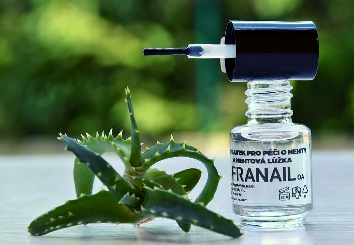 Lak na nehty Franail s nanotechnologií pro léčbu mykózy od společnosti Nanutio, zdroj: Dm drogerie markt.