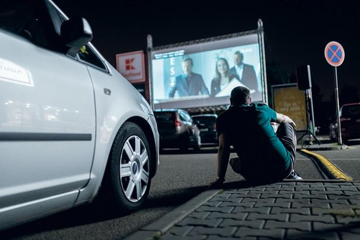 Parkoviště se proměnilo v kino, vstup je zdarma, zdroj: Kaufland.