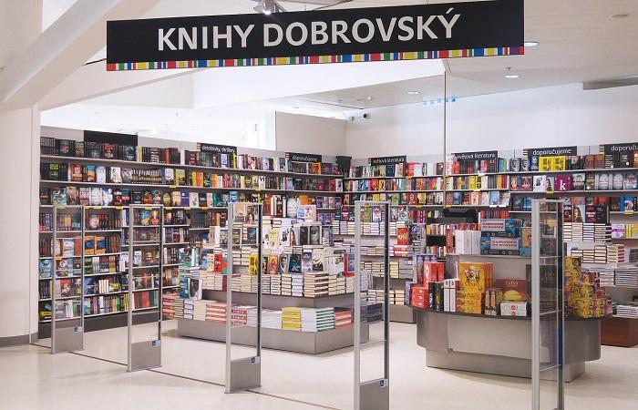 Společnost má celkem 34 prodejen, zdroj: Knihy Dobrovský