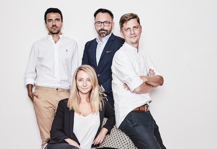 Zleva Lazo Raftovski, Tomáš Kopečný, Roman Číhalík, uprostřed Barbora Hájková, zdroj: Scholz&Friends