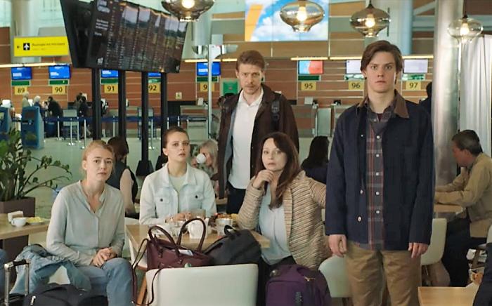 Let (Six empty seats), repro: trailer seriálu