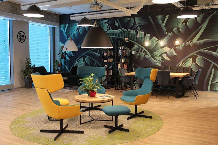 Součástí kancelářských center jsou i komunitní prostory, zdroj: Scott.Weber Workspace.