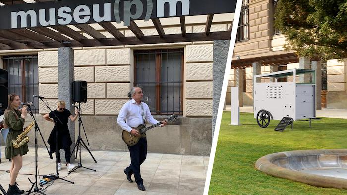 Koncert skupiny Adovany v muzejní zahradě při prezentaci designového Mo-bilního kurníku, zdroj: UPM.
