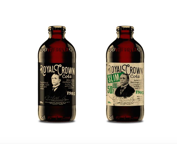 """Nová podoba značky Royal Crown Cola, lahve mají navodit """"jakousi medicínu"""", foto: Kofola."""