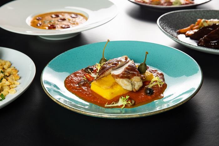 Rohlík Bistro rozšiřuje nabídku o 15 jídel od šéfkuchařů