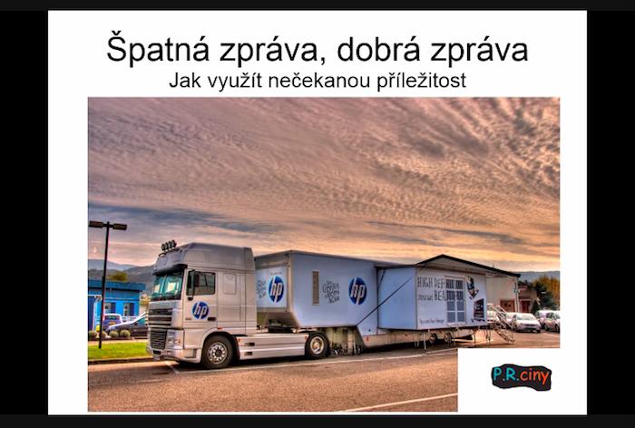 Vykradení HP kamionu určeného na roadshow přilákalo mnohem větší pozornost novinářů než samotná roadshow, zdroj: Bohuslav Bohuněk.