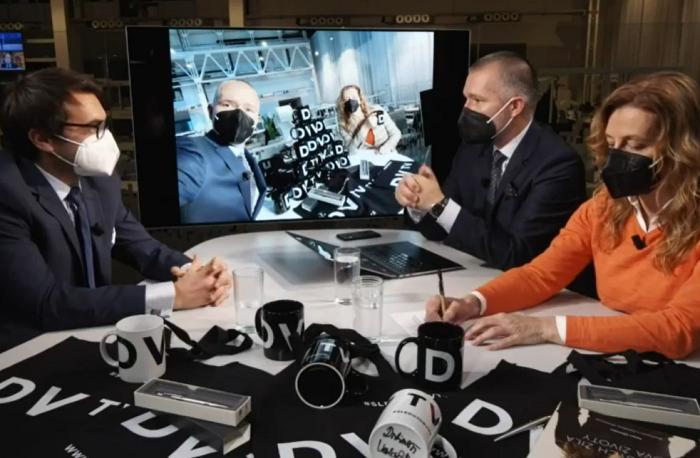 Michael Rozsypal, Martin Veselovský a Daniela Drtinová, zdroj: repro DVTV