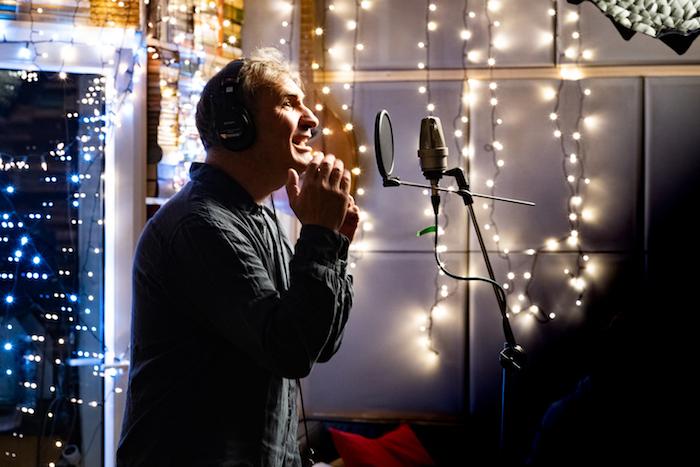 Jiří Macháček při nahrávání písně z projektu #hudbouspolu, zdroj: McDonald's