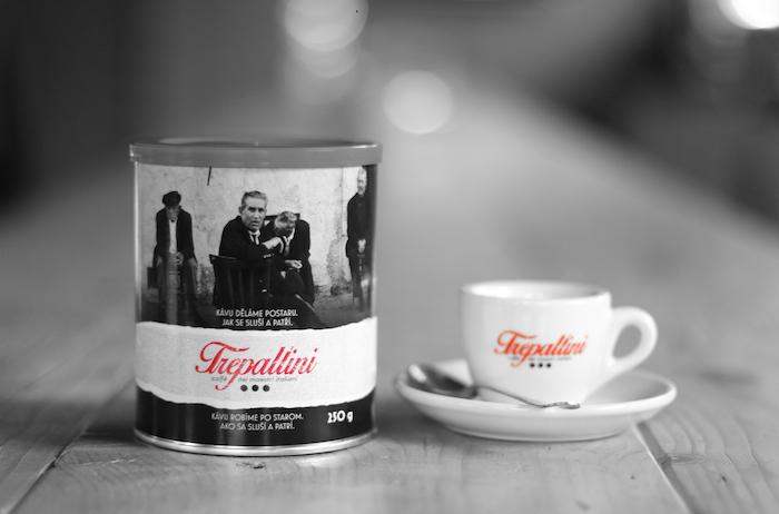 Nová značka kávy Trepallini pracuje na obalech s černobílými snímky, které pořídil v60. letech Ferdinando Scianna, zdroj: Kofola ČS.