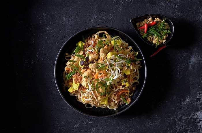 Authentic rozšiřuje i řady hlavních jídel, první je podle receptury Sushi Time, zdroj: Košík.cz