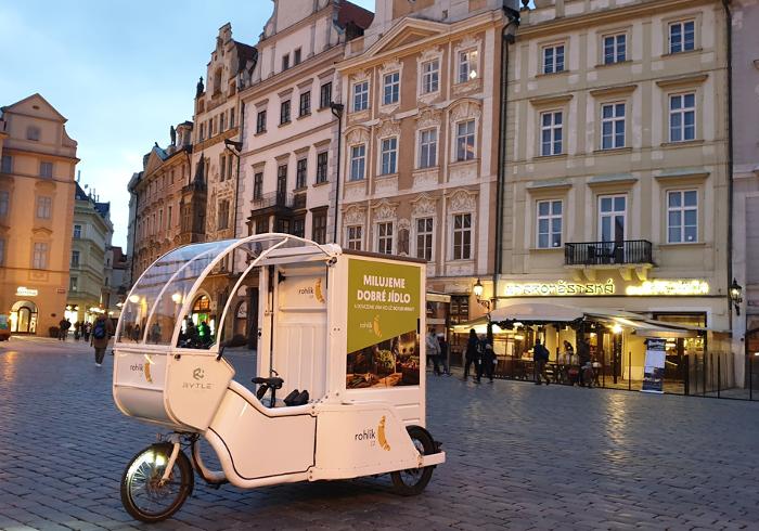 V centru Prahy testoval Rohlík cargo kola, zdroj: Rohlík.