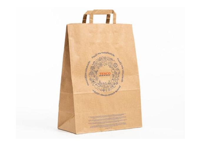 Od konce roku 2020 spolupracuje Tesco s Mondi Štětí a nabízí nákupní tašky z recyklovaného papíru EcoVantage, zdroj: Tesco