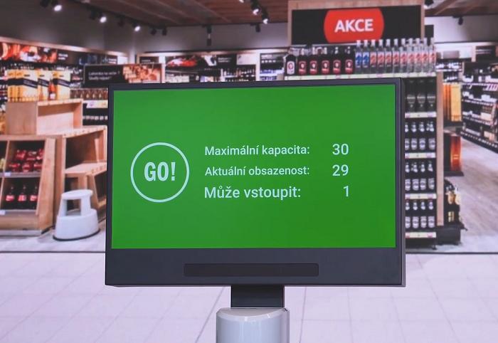 Semafor od AV Media sleduje povolený počet zákazníků v prodejně, zdroj: AV Media