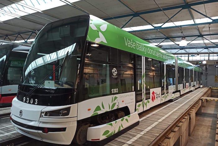 Zelená tramvaj společnosti DPD, zdroj: DPD