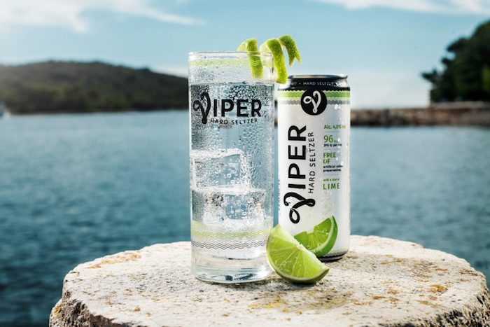 Nový perlivý alkoholický nápoj Viper Hard Seltzer, zdroj