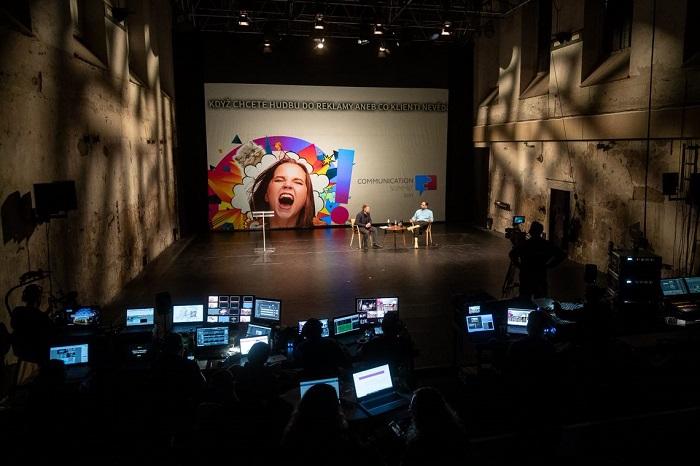 Konference Communication Summit se letos uskutečnila v prostředí divadla Jatka 78, zdroj: Blue Events
