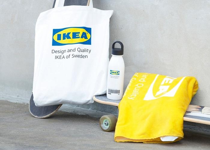 Hlavním motivem kolekce je logo, inspirací byli fanoušci z Japonska, zdroj: Ikea