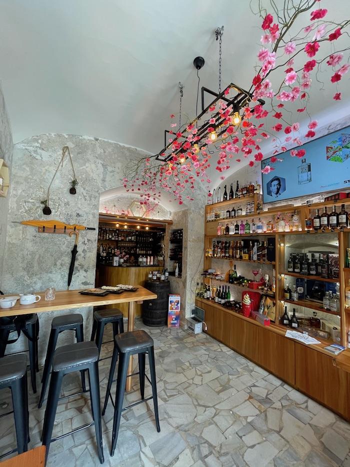 V Karlíně bude po celé léto gin Roku provozovat svůj pop-up bar, zdroj: Stock Plzeň-Božkov