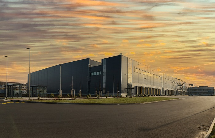 Nový sklad vyrostl na místě bývalého továrního komplexu v areálu oceláren Poldi Kladno, zdroj: Lidl.