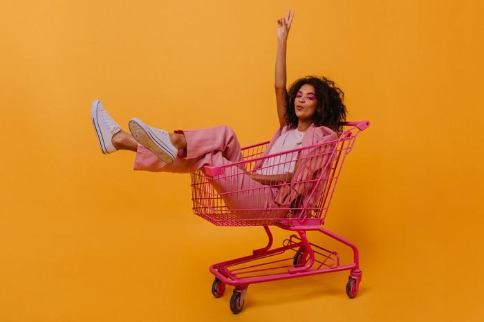 Zástupci generace Z se těší z návratu otevřených kamenných obchodů, zdroj: Shutterstock