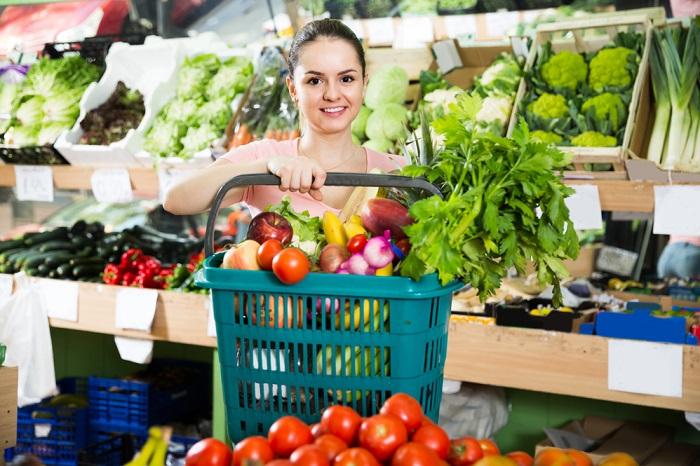 Mezi zeleninou s označením bio jsou nejpopulárnější okurky a rajčata, zdroj: Shutterstock