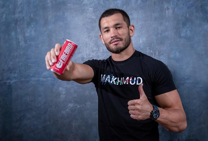 Zápasník Makhmud Muradov je od srpna nově tváří energy drinků Fire-Bird, zdroj: Penny Market.