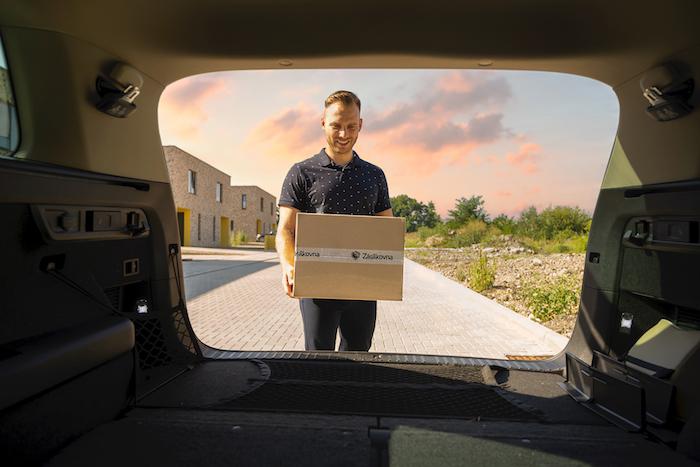 Doručení do kufru auta bude dostupné pro většinu modelů značky Škoda vyrobených od roku 2019, s výjimkou vozů Enyaq iV, Kamiq a Scala, které budou zpřístupněny později, zdroj: Zásilkovna.