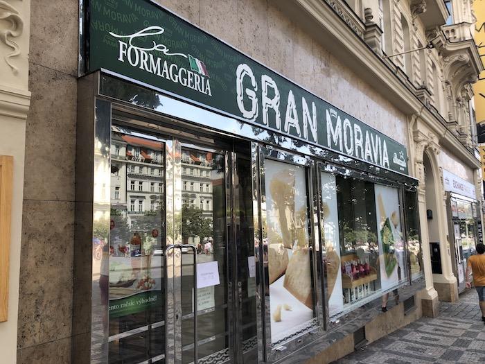 La Formaggeria Gran Moravia se na Václavském náměstí přestěhovala o několik čísel blíže k zastávce pražského metra Muzeum, foto: MediaGuru.